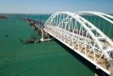 Туристам порадили голосніше «забивати палю» на Кримському мосту